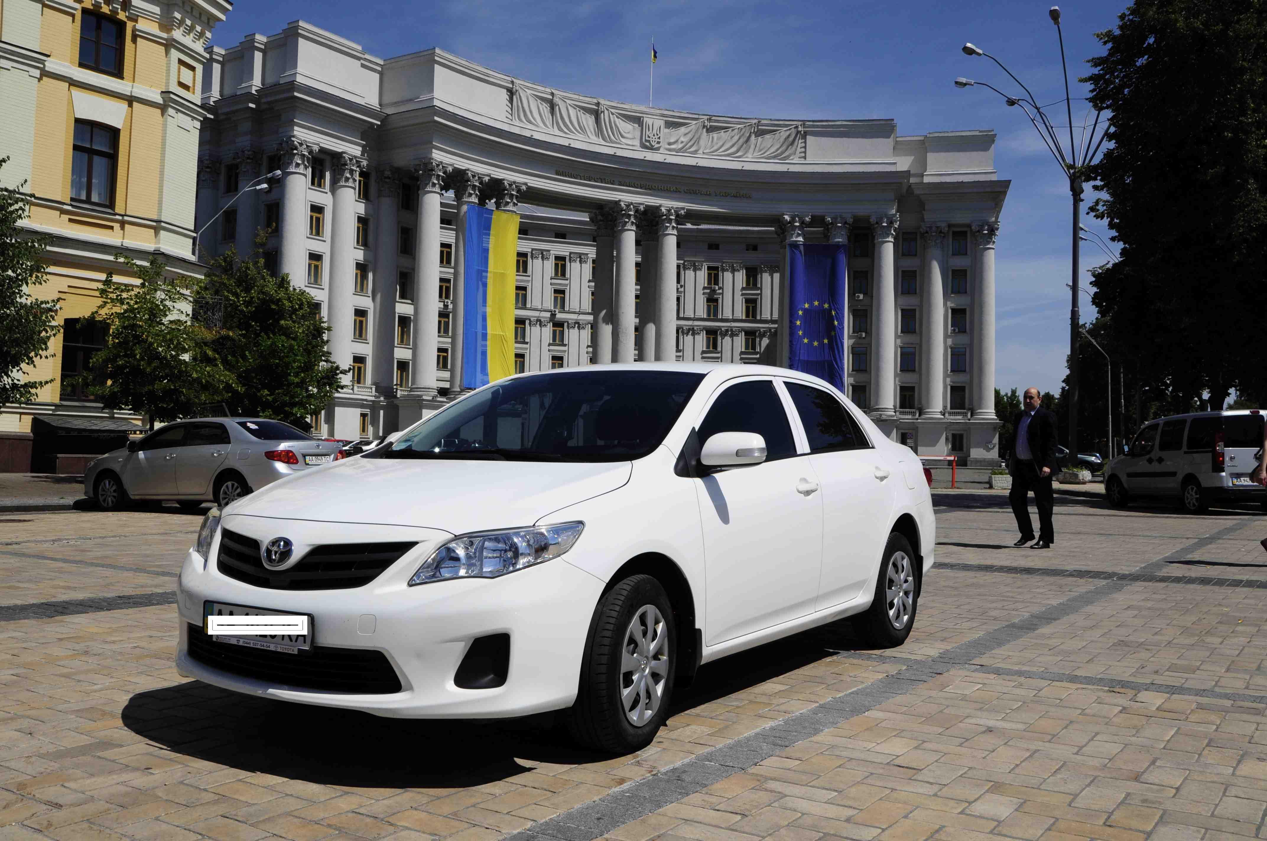 Аренда Toyota Corolla с водителем
