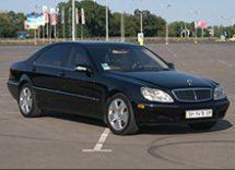 Mercedes S500 W220 (черный) аренда с водителем