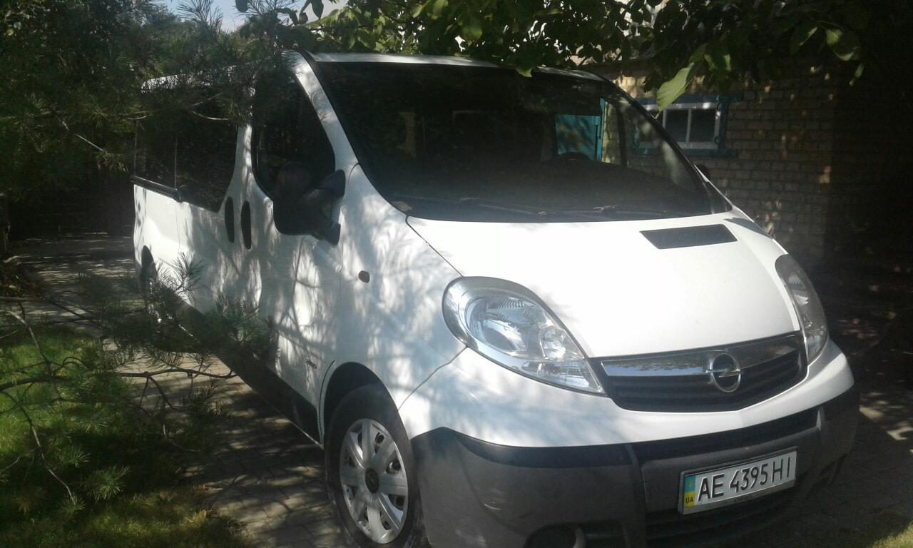 Opel Vivaro на прокат с водителем